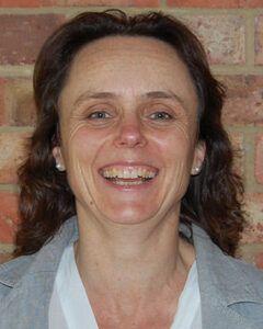 Dr Lucy Santarius